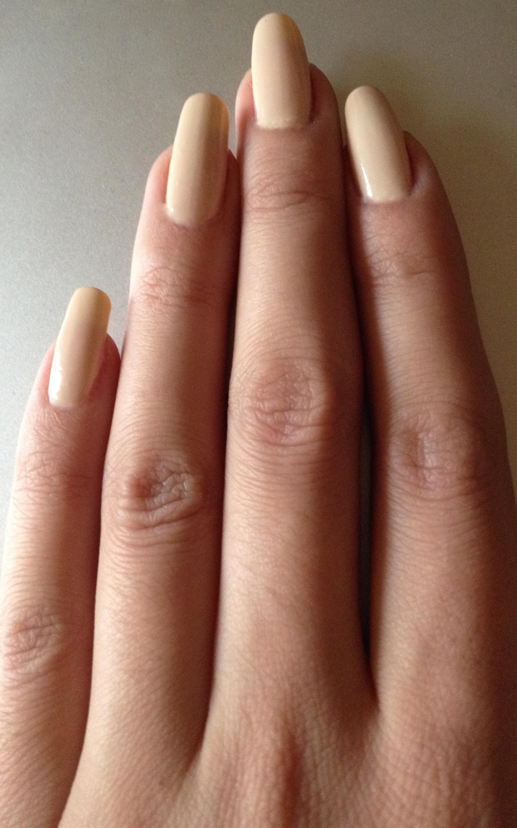 Burberry nail polish – all shades swatched – makeupandmyself